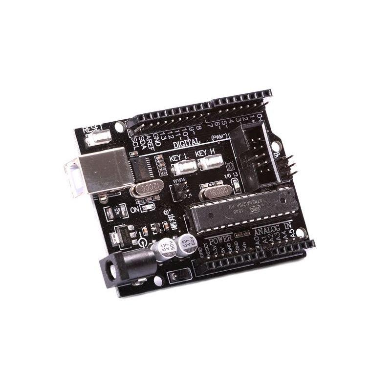 Uma placa CH340 com interruptores compatíveis Arduino